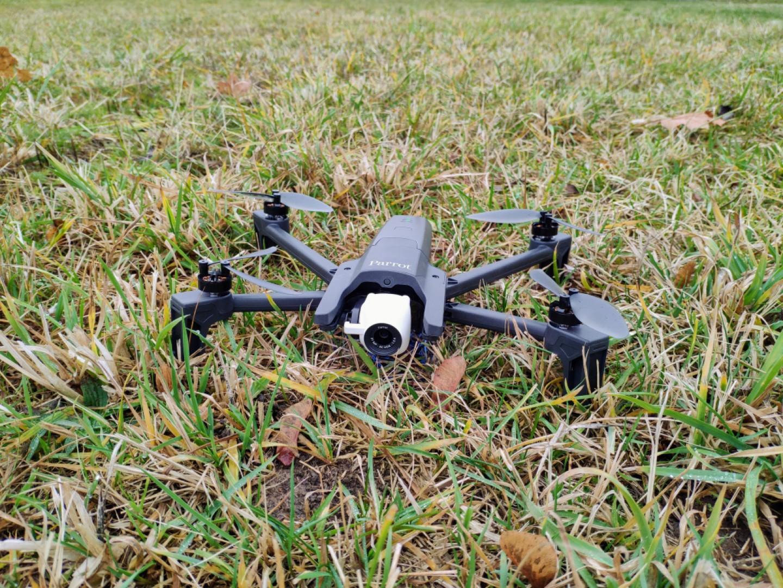 Parrot Anafi: kvalitní dron nemusí být jen od DJI